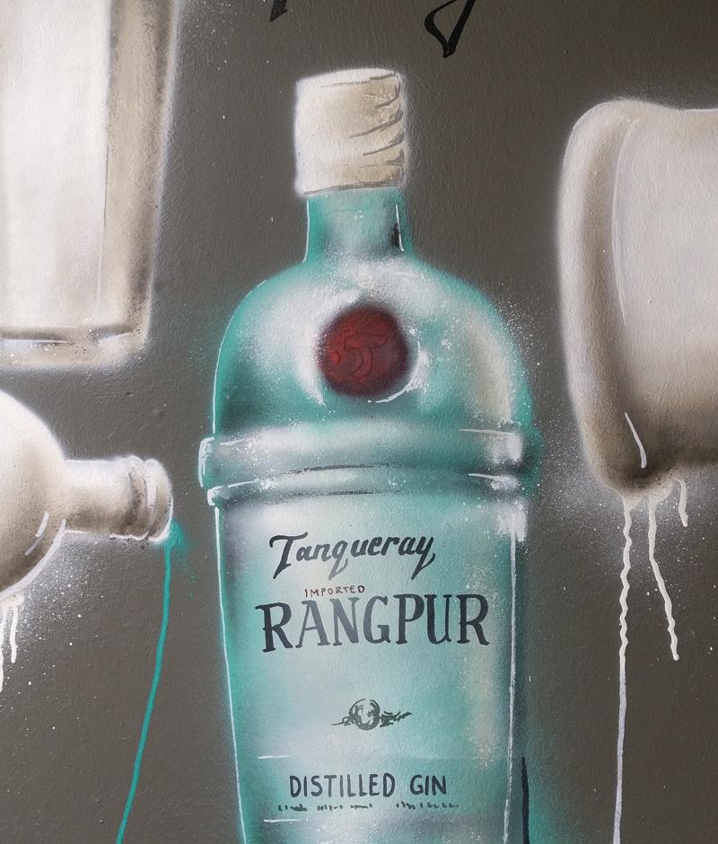 Sclub fulda tanqueray wandgestaltung graffiti mural art streetart club disco gin drips painting design modern